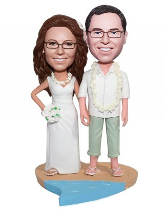 Customized Bobbleheads Wedding Couple With Lei Around Neck