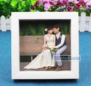 Fully customized Wedding doll with frame Background painting 9-inch