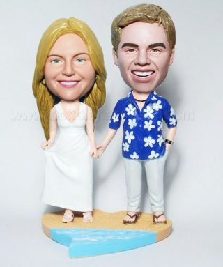 Hawaii Dree Groom Handing Bride Custom Bobble Head