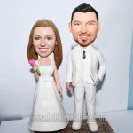 Caketopper Bride And Groom In White Bobble head dolls