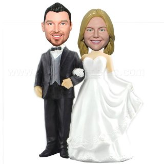 Extravagant Wedding Dress Bride And Groom Bobble Head