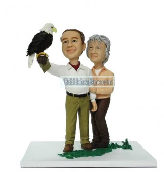 Customized Couple bobbleheads Staying Close Together With A Parr